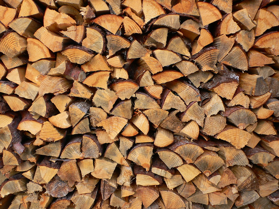 Split Seasoned Hardwoods - Ozaukee County Firewood